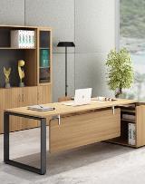 Quattro director table_220x280